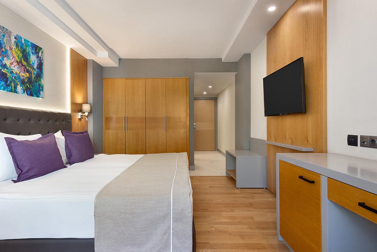 La-Quinta-By-Wyndham-Bodrum---Hotel-Room-Land-View---1474091