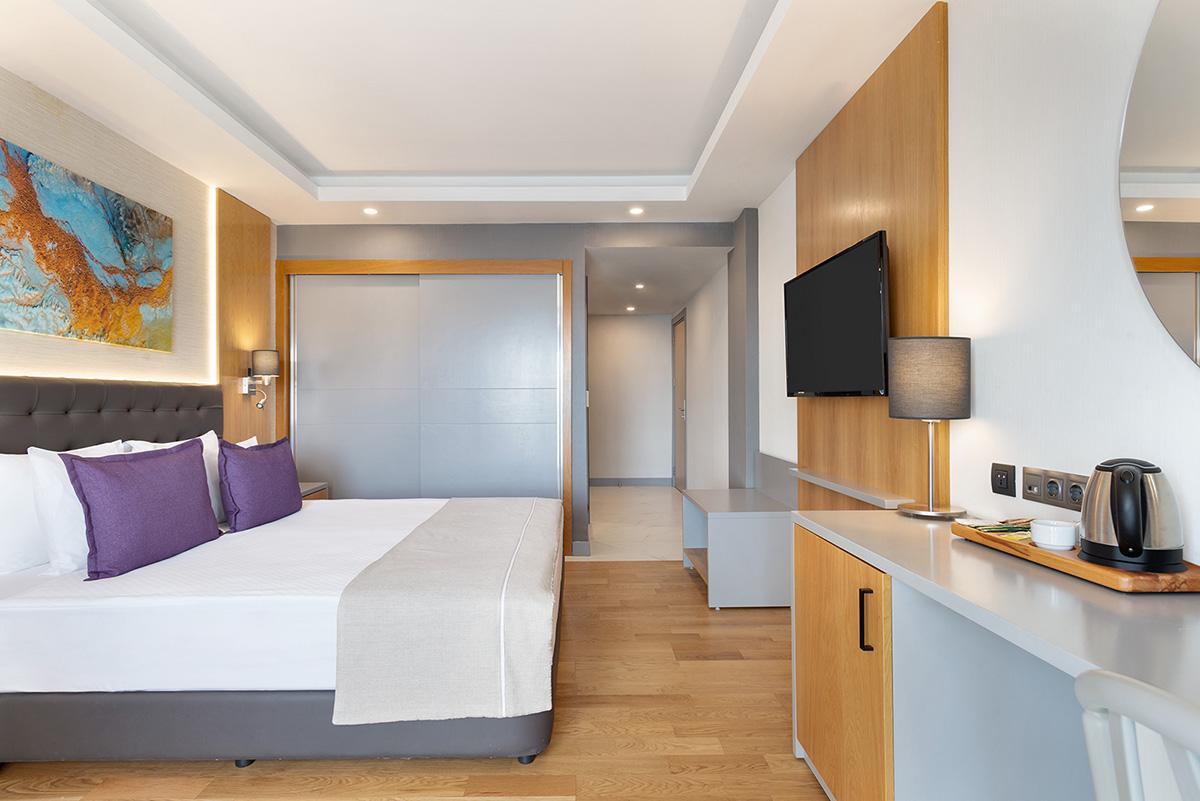 La-Quinta-By-Wyndham-Bodrum---Hotel-Room-Sea-View---1474085